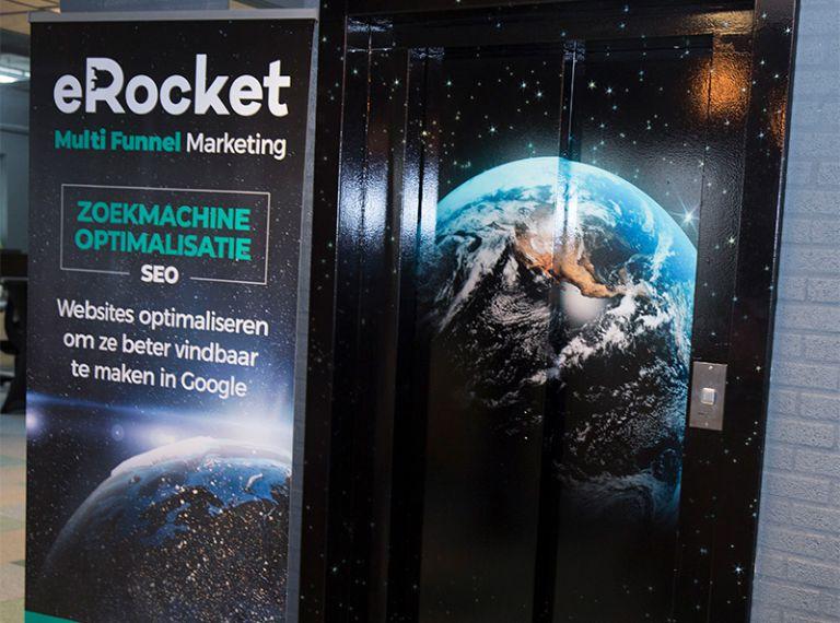 Lift raket sticker